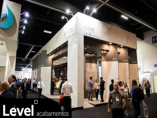 Stand Level Acabamentos na ExpoRevestir 2014